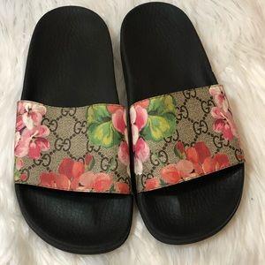 c10264241 🎀Gucci Pursuit Slide Sandal Size 37🎀